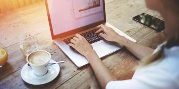 John Müller im Hangout zur Indexierung von neuem Content (c) Shutterstock/GaudiLab