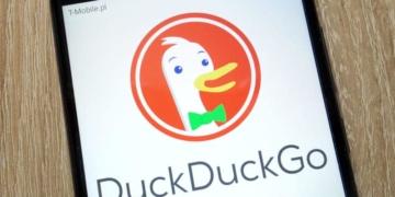 Duckduckgo und Apple arbeiten nun beim Thema Kartendienst zusammen. Die Suchmaschine, welchen großen Wert auf den Datenschutz legt, wird zukünftig auf die Daten von Apple Maps zugreifen.