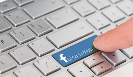 Online News Facebook Warning Sharing