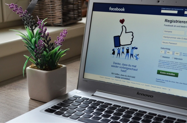 Facebook informiert über Regelverstöße