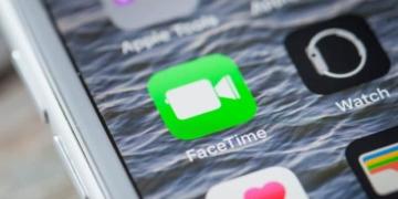 Eine ernstzunehmende Sicherheitslücke wurde auf dem iPhone im Zusammenhang mit der Facetime Funktion entdeckt.Demnach können Nutzer beim Angerufenen iPhone mithören, obwohl der Anruf noch nicht angenommen wurde.