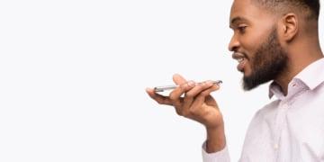 Google Assistant nähert sich an Konkurrenten vom virtuellen Assistenten Markt