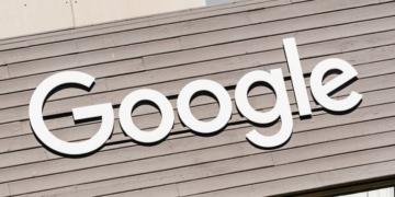 Die französische Datenschutzbehörde CNIL wirftGoogle eine mangelnde Transparenz vor. Die Folge ist eine Geldstrafe in Höhe von 50 Millionen Euro, welche Google jedoch nicht hinehmen möchte.