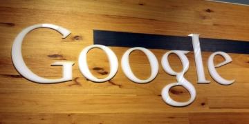 Bei der Optmierung von Webseiten darf man sich ruhig an den Qualitätsrichtlinien von Google orientieren. Die User Experience sollte hierbei jedoch ein größeres Gewicht als die Rankings in der Suche erhalten.