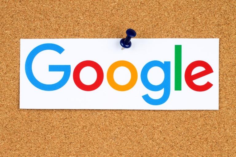 Google auf Korkpinnwand