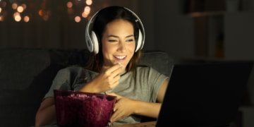 Google stellt ein neues Feature vor, mit dem man Filme im Watchlist speichern kann