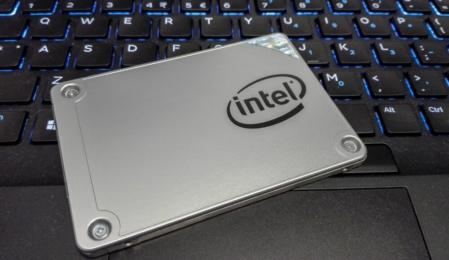 Intel 128 GB Arbeitsspeicher