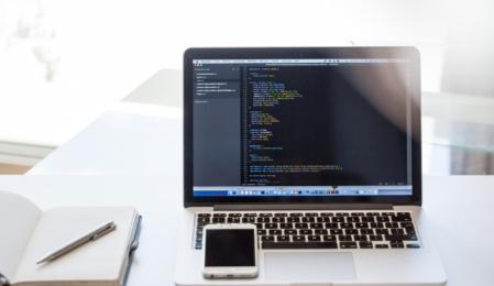 MacBook HTML