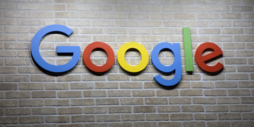Google Schriftzug an einer Wand