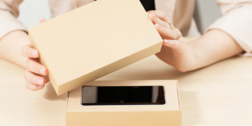 TCL präsentiert Prototyp eines Handys mit ausziehbarem Display