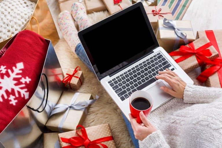 Weihnachten-Geschenke-MacBook