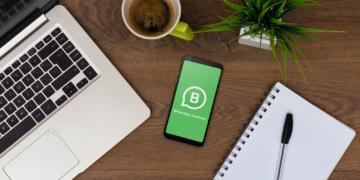 Mit dem Shopping-Button kann man bei WhatsApp Produkte ansehen und innerhalb der App bestellen.