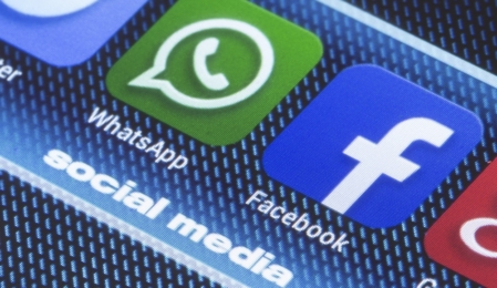 WhatsApp- und Facebook-Logo