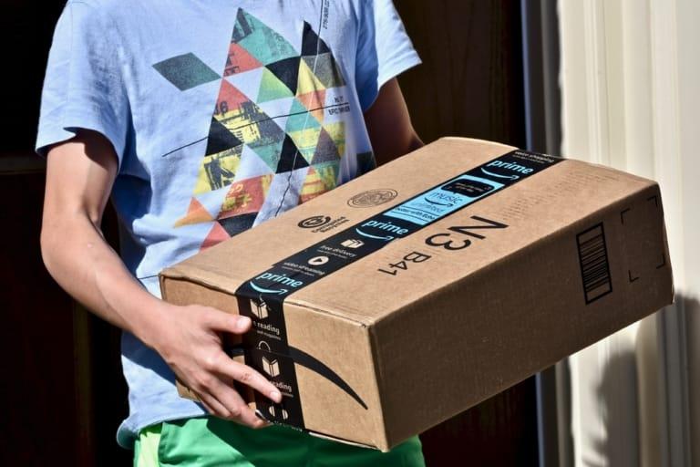 amazon-stellt-neue-mitarbeiter-ein