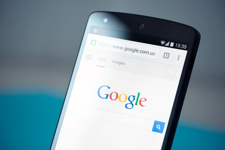 Google testet AMP Kennzeichnung in mobilen Suchanzeigen