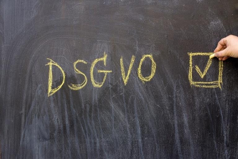 Wie Google & Facebook DSGVO umgehen
