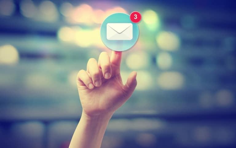 Google versendet Mails zur Information über Verschiebung in den Mobile-First-Index.