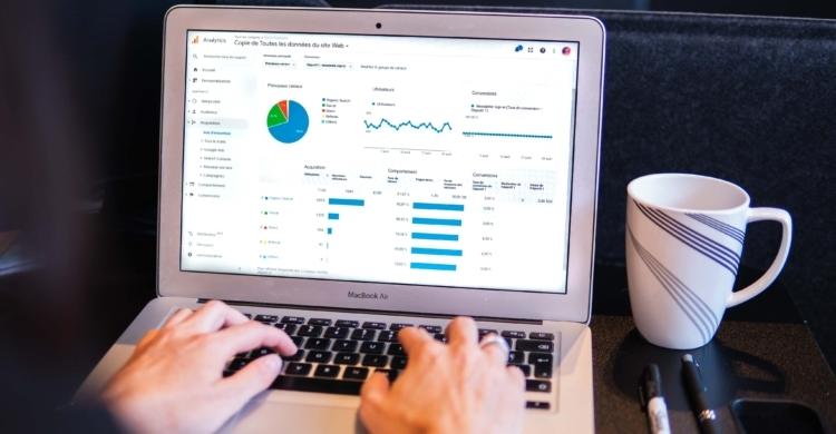 google keyword ranking laptop bildschirm