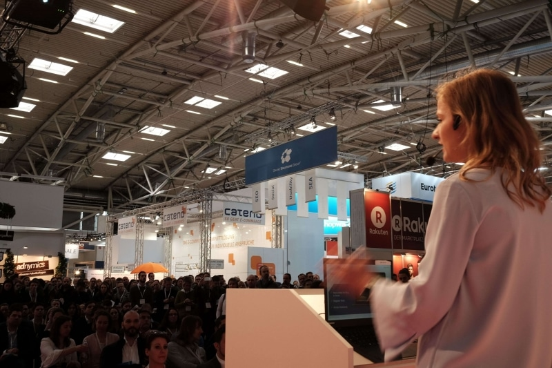 Präsentation des Head of SEO bei der OSG Diana Karcz mit SEO Best Practice Cases 2018