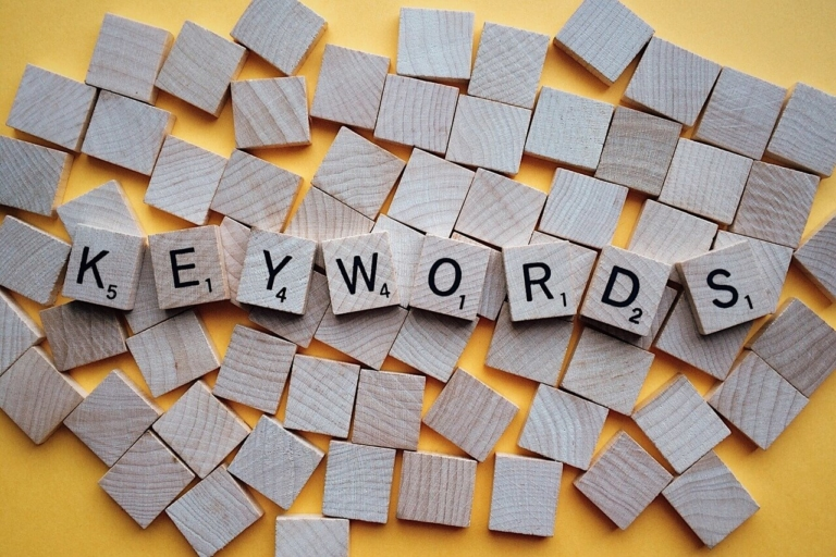 Keywords in URL
