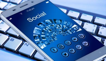 Facebookseiten können zukünftig Gruppen beitreten