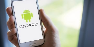 Handy mit Android Logo