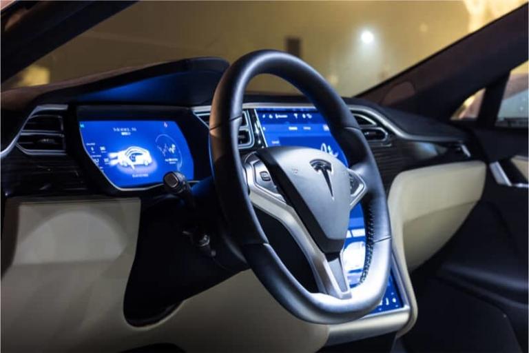 Tesla-Autopilot soll autonomes Fahren weiter voranbringen